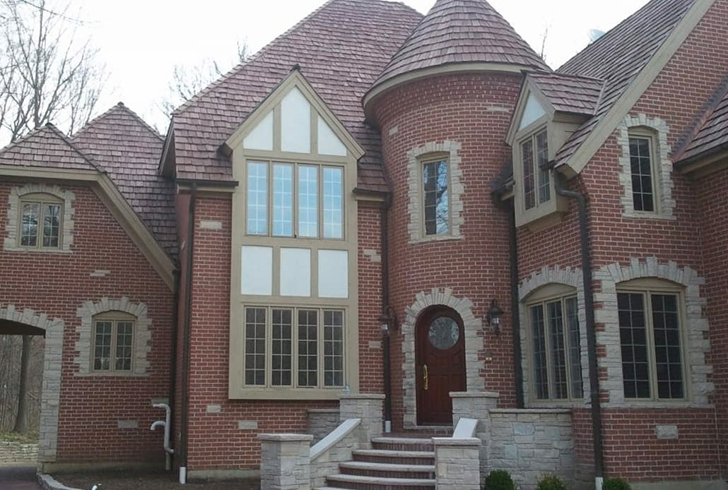 Custom aluminum push-out casement windows accentuates this stately home in Chicago