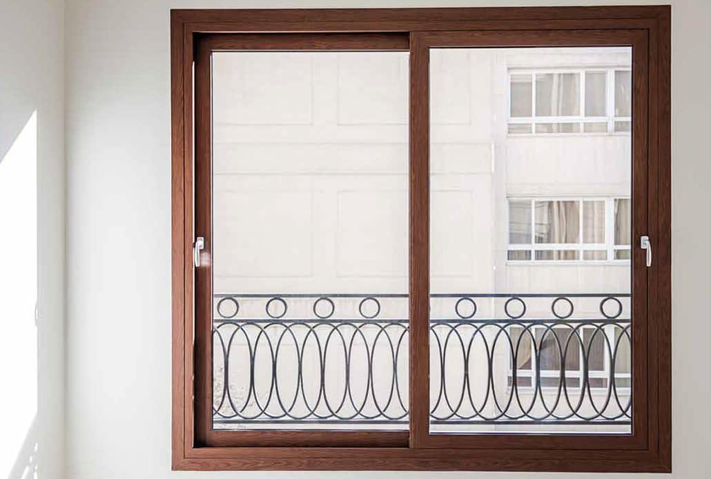 An aluminum wood sliding window by SPI Finestre